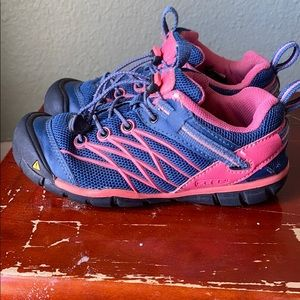 Girls Keen pink & blue Trail shoes